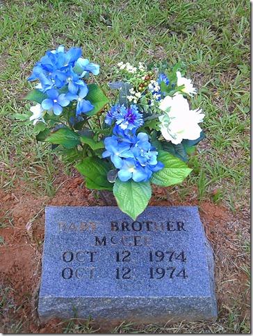 2010-05-29 headstones (29)